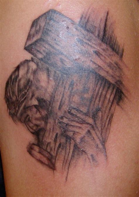 tattoos of crosses with jesus jesus carrying cross search tattoos that