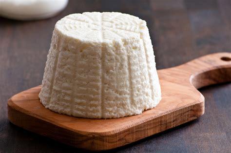 Handmade Cheese - cheesemaking 101 ricotta beth dunham