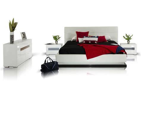 modern platform bed with lights dreamfurniture com infinity contemporary platform bed
