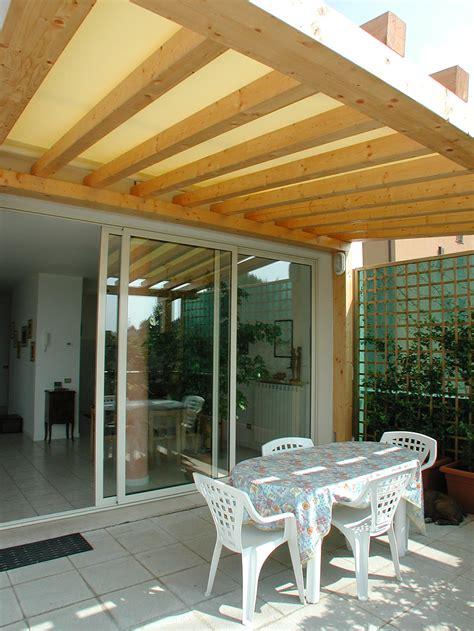 tettoie in legno per terrazzi tettoie per giardino in legno lamellare