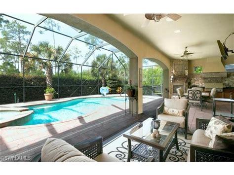 beaufort cir naples fl  outdoor living room