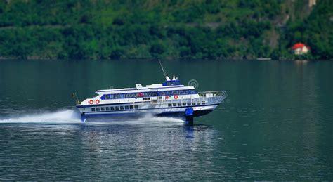 hydrofoil boat como fast hydrofoil ferry on lake como stock image image of