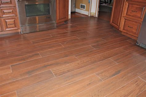 The Best Ceramic Tiles That Look Like Hardwood Floors