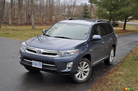 2013 toyota limited review 2013 toyota highlander hybrid limited car reviews auto123
