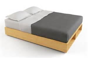 Platform Beds Ta 10 Easy Pieces Wood Platform Bed Frames Remodelista