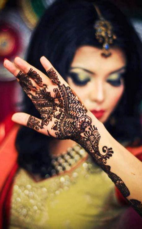 Stylish & Trendy Arabic Mehndi Designs 2019 Collection