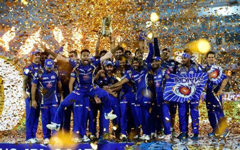 ipl 2017 mumbai team players mi players and owner neeta ambani with ipl 10 trophy after
