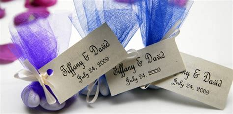 Wedding Favors Etiquette by The Wedding Planning Wedding Favors Etiquette