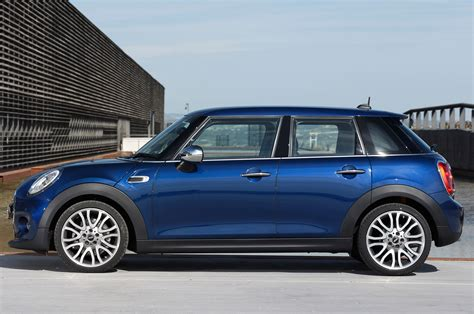 2015 Mini Cooper Hardtop 4 Door by 2015 Mini Cooper Hardtop 4 Door Side View Parked Photo 29