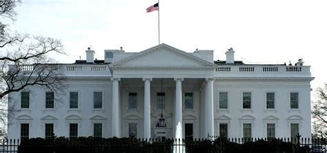 white residence the front of the white house close up www imgkid com