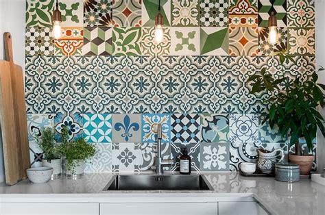 piastrelle cucina decorate le migliori idee di ristrutturazioni express 2016