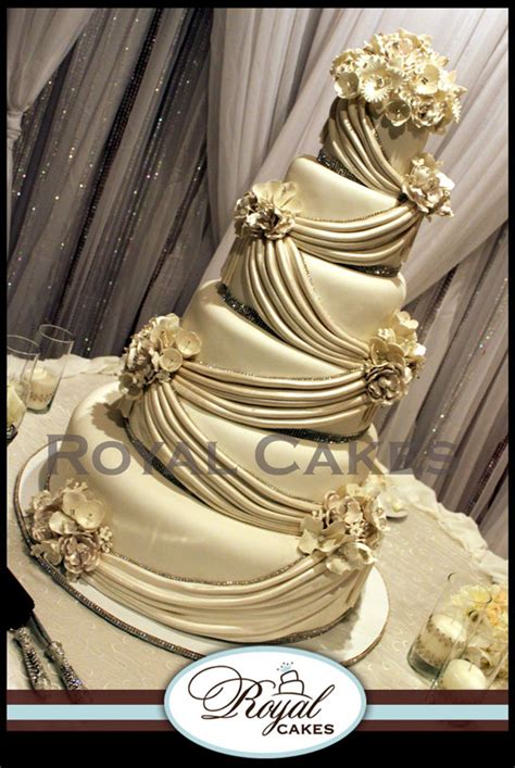 Blue Crystal Chandeliers Wedding Cakes Royal Cakes