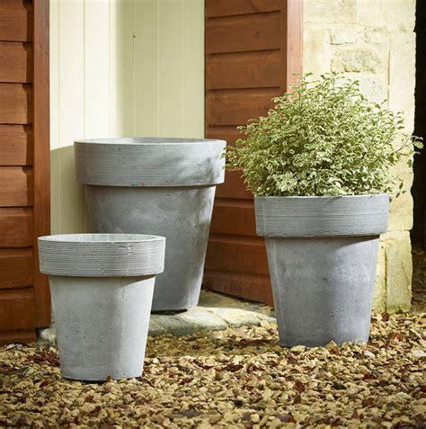 Gray Outdoor Planters Set Of Three Grey Garden Planters By Garden Selections