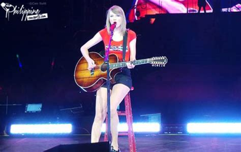 taylor swift concert asia 2018 taylor swift live in manila photos and videos philippine