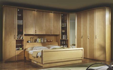 chambre a coucher avec pont de lit lit pont pin photo 20 20 lit avec un pont en pin
