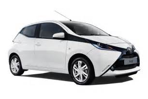 new city car toyota aygo city car review carbuyer carbuyer new cars
