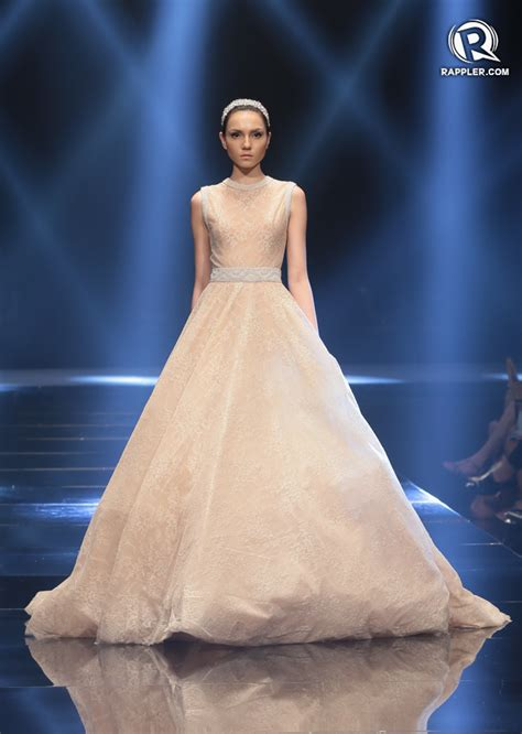 Wedding Animation Philippines by Michael Cinco S Couture Glitters At Philippine Fashion Week