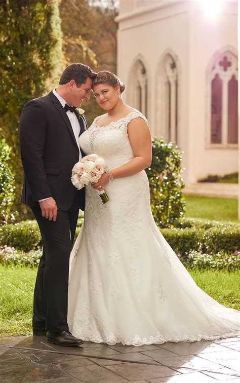 princess  size wedding dress stella york
