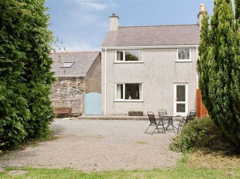 Rhosneigr Cottages by 2 Bedroom Property In Rhosneigr And Aberffraw Vrbo