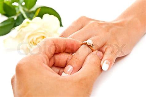 Verlobungsring Mann Und Frau by Mann Und Frau Die H 228 Nde Mit Goldenen Ring Stockfoto