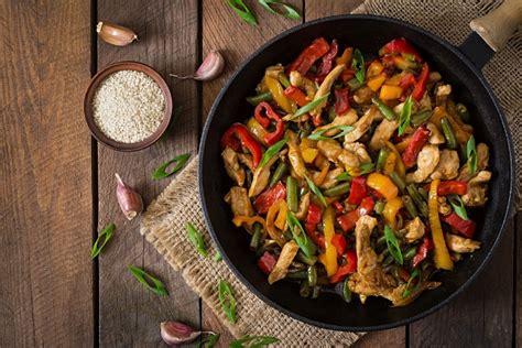 cucinare wok cucinare con il wok frittura vapore e cottura al salto
