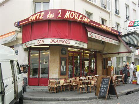 dans le cafe de 2070361241 caf 233 des 2 moulins wikipedia