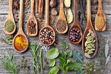 erbe e spezie in cucina erbe e spezie in ayurveda tra cucina e alimentazione