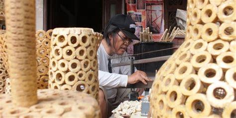 Pakan Ternak Dari Bonggol Jagung edie meraup rupiah dengan mengolah bonggol jagung