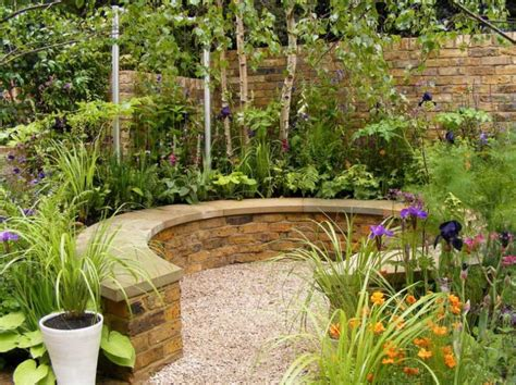 Ideas Small Gardens Small Garden Design Ideas Corner