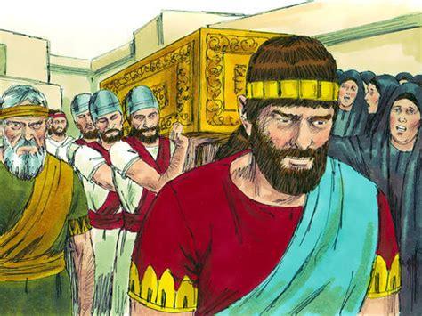 freebibleimages king josiah  scroll  gods laws
