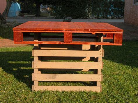 tavoli con pallet tavoli per bar e pub mobili in pallet