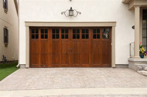 Wood Looking Garage Doors Garage Doors Wood Look 2016 Garage Door Trends Garage Remodeling Costs Wood Look Garage Doors