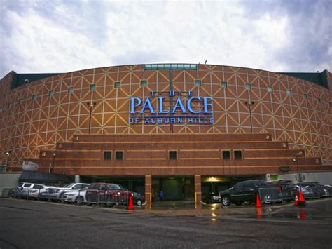 how many seats in the palace of auburn the palace of auburn with best picture collections
