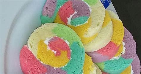 membuat bolu kukus warna warni resep bolu gulung pelangi warna warni dan tips menggulung