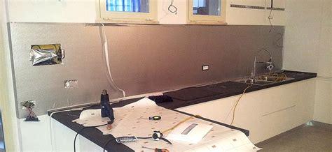 muro cucina personalizzare la parete dietro ai fornelli alla cucina