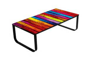 table basse design multicolore