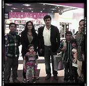 COOGLED ACTOR AJITH RARE SINGAPORE FAMILY TRIP PICTURE