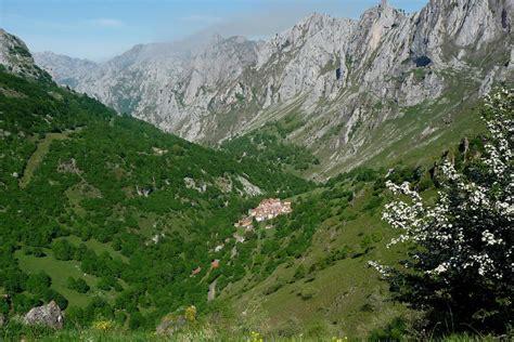 picos de europa spanische wandern im nationalpark picos de europa abenteuerwege reisen