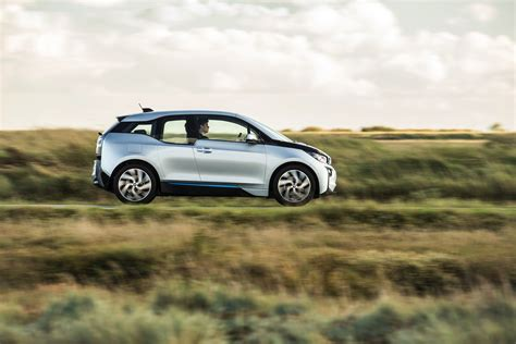 bmw  promises  percent  range autoevolution