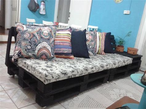 couch made of pallets couch made out of wood pallets pallet wood projects