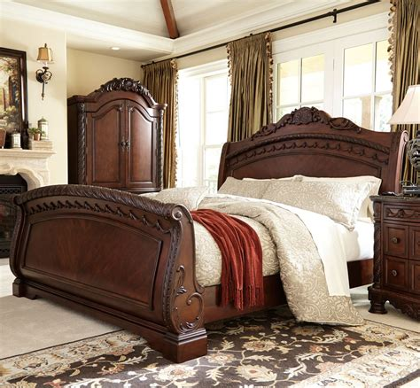 Signature Design Bedroom Sets Laddenfield Classic Poster King Bedroom A 171 Mattress Bed Outlet Signature Furniture