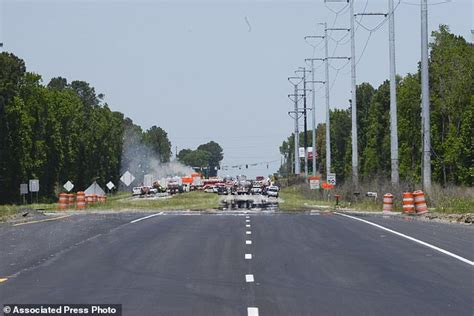 investigators search for cause of deadly cargo plane crash daily mail