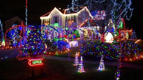 christmas lights extravaganza will continue to shine at