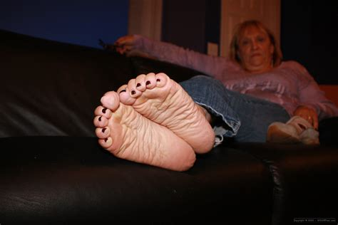 Granny Foot | fc mature feet footpervertfootconnoisseur wordpress com