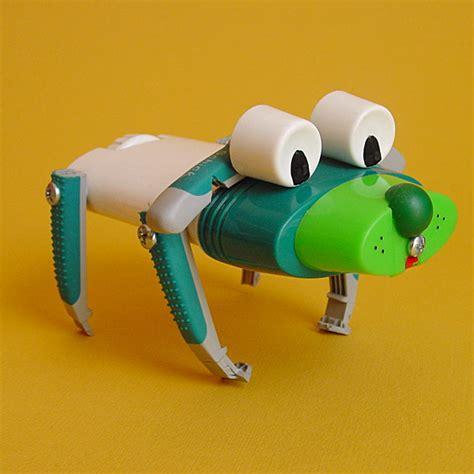 imagenes de animales reciclados juguetes fabricados a partir de materiales reciclados