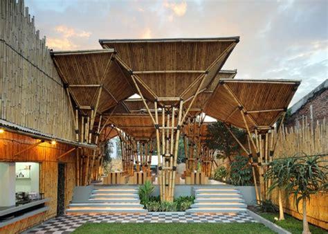 Design Interior Cafe Dari Bambu | inspirasi restoran bambu desain modern dari bahan ramah
