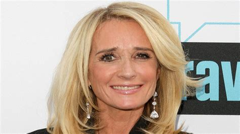 kim richards hairstyles breaking real housewives star kim richards arrested for