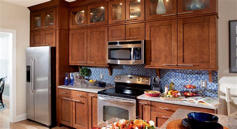 maple auburn glaze cabinets timberlake cabinets cabinet expressions