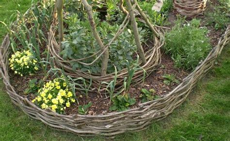 brilliant garden edging ideas     home eco