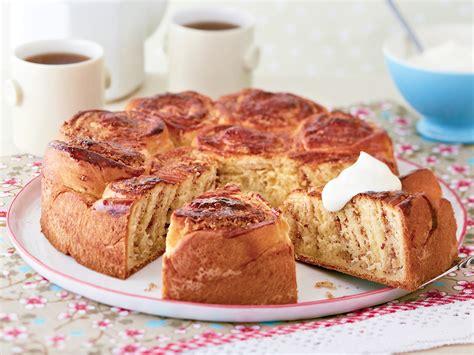 kuchen in auflaufform backen hefeschnecken kuchen backen so geht s lecker de